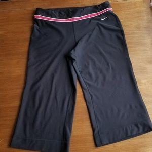 Nike Fit Dry black capris